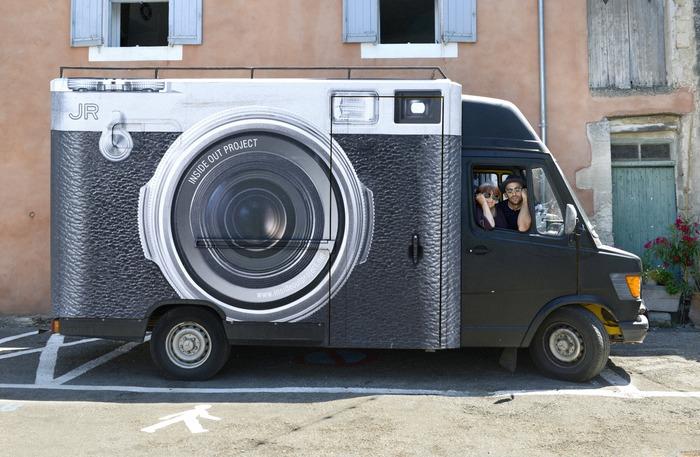 camión fotográfico que copia las fotografías que te hacen bien y retratos gigantes
